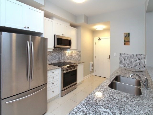 Condo Townhouse For Lease In Oakville , 2 Bedrooms Bedrooms, ,2 BathroomsBathrooms,Condo Townhouse,For Lease,102,Taunton