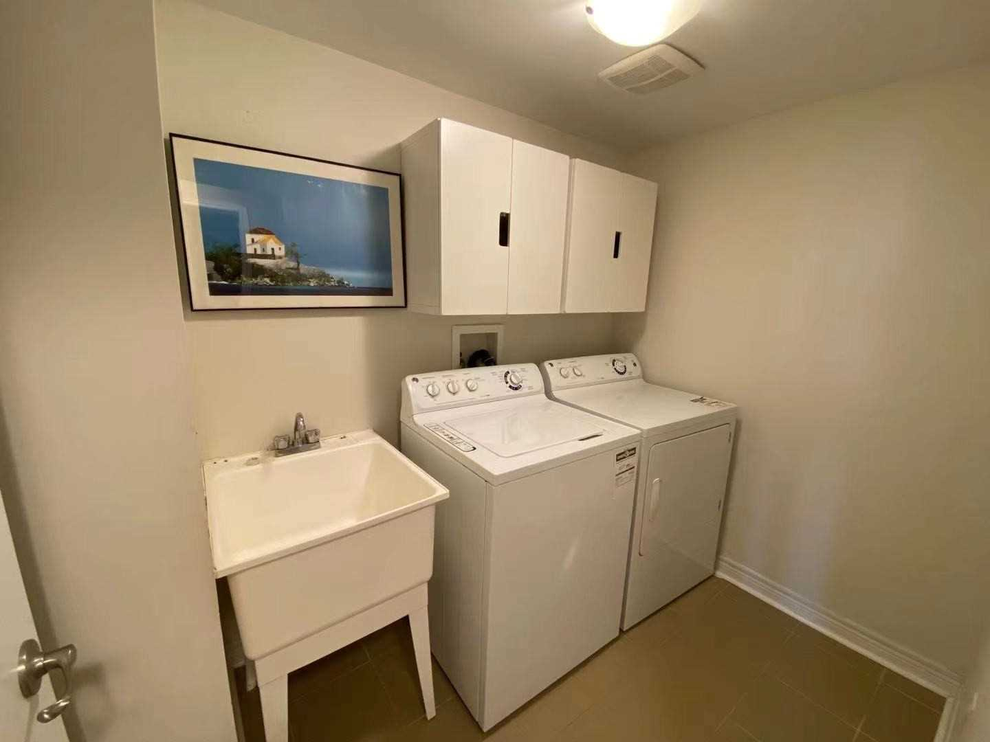 Att/row/twnhouse For Lease In Vaughan , 3 Bedrooms Bedrooms, ,4 BathroomsBathrooms,Att/row/twnhouse,For Lease,Grand Trunk