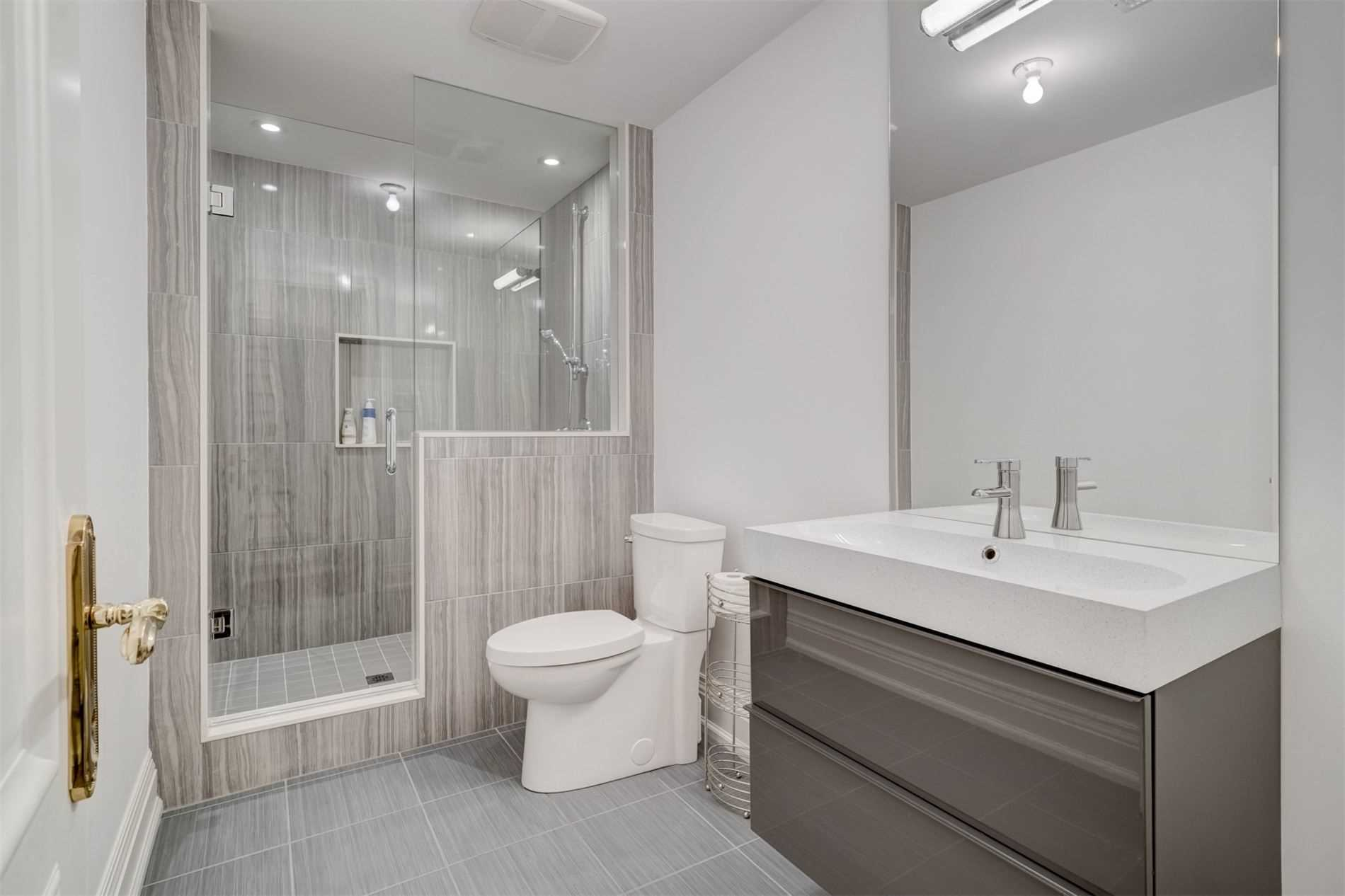 Detached house For Sale In Toronto - 191 Montclair Ave, Toronto, Ontario, Canada M5P1R1 , 4 Bedrooms Bedrooms, ,7 BathroomsBathrooms,Detached,For Sale,Montclair