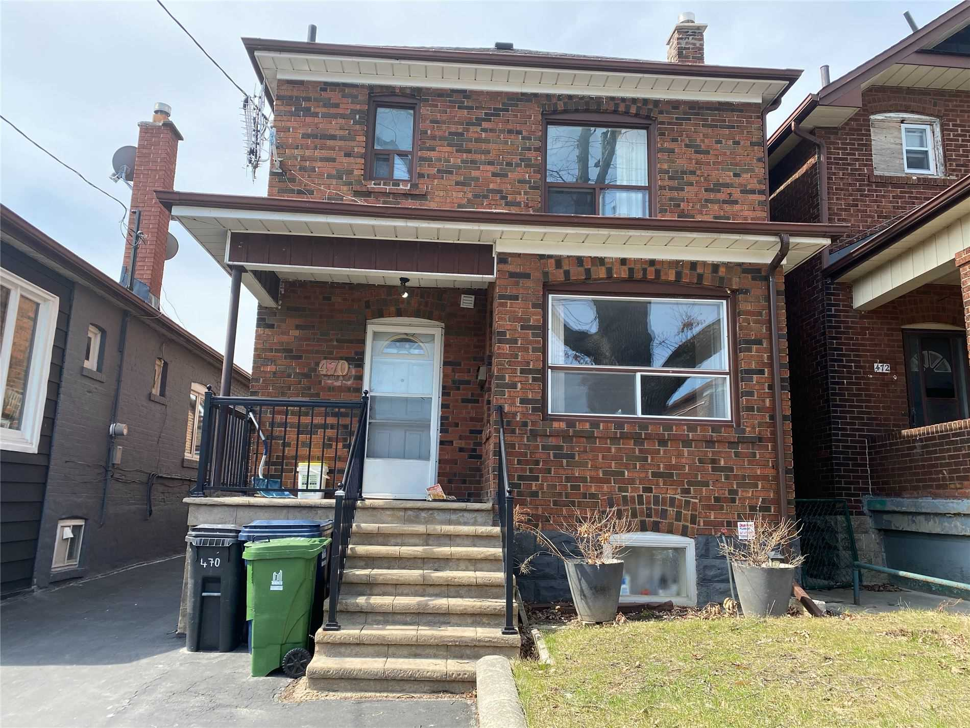 Detached house For Lease In Toronto - 470 Oakwood Ave, Toronto, Ontario, Canada M6E2W6 , 2 Bedrooms Bedrooms, ,1 BathroomBathrooms,Detached,For Lease,Upper,Oakwood