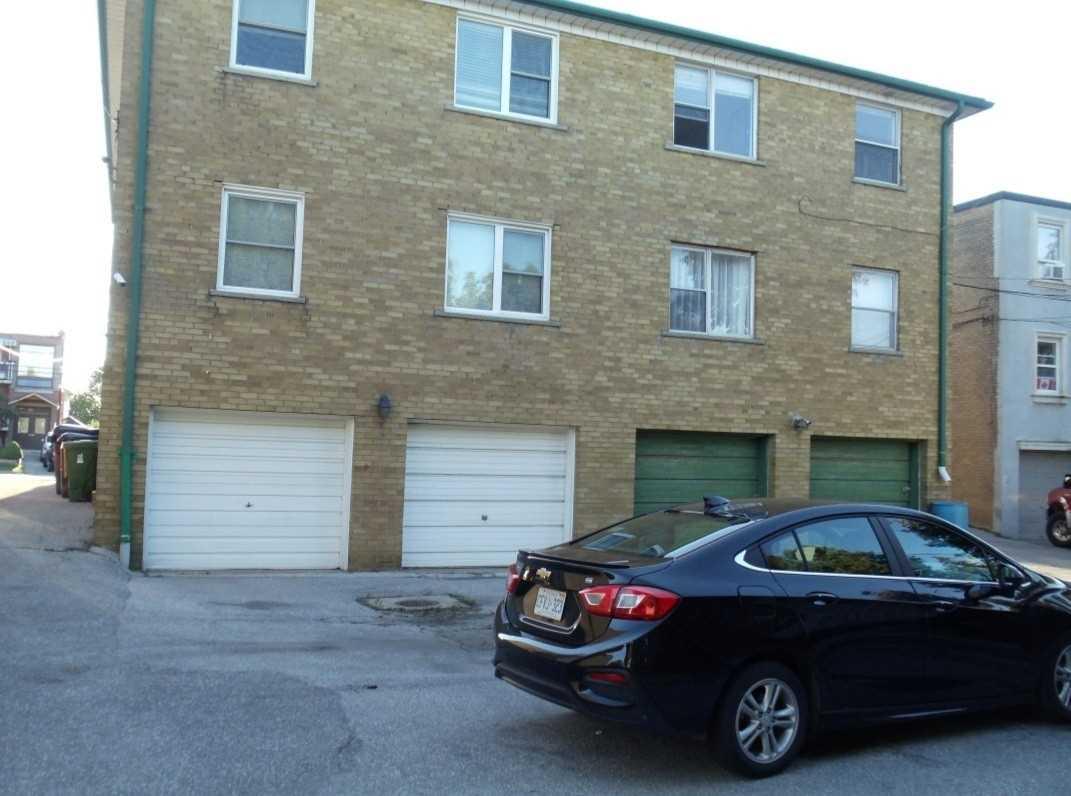 Triplex For Lease In Toronto , 1 Bedroom Bedrooms, ,1 BathroomBathrooms,Triplex,For Lease,Lower,Pannahill