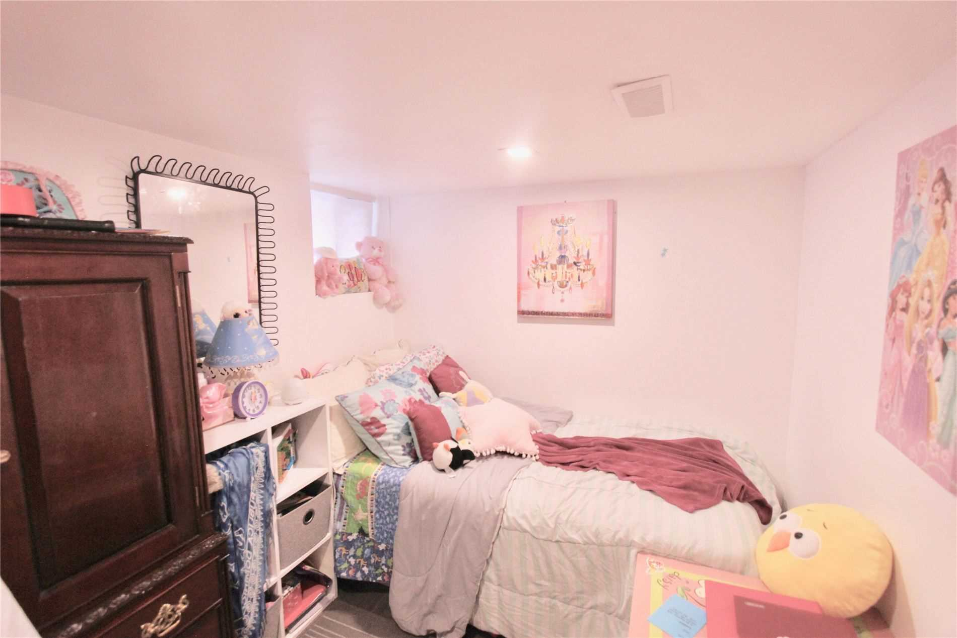 Detached house For Lease In Toronto - 62 Belvidere Ave, Toronto, Ontario, Canada M6C1P6 , 2 Bedrooms Bedrooms, ,1 BathroomBathrooms,Detached,For Lease,Lower,Belvidere