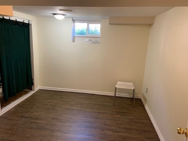 Detached house For Lease In Toronto - 1 Boyce Ave, Toronto, Ontario, Canada M1J1K4 , 2 Bedrooms Bedrooms, ,1 BathroomBathrooms,Detached,For Lease,Bmst,Boyce