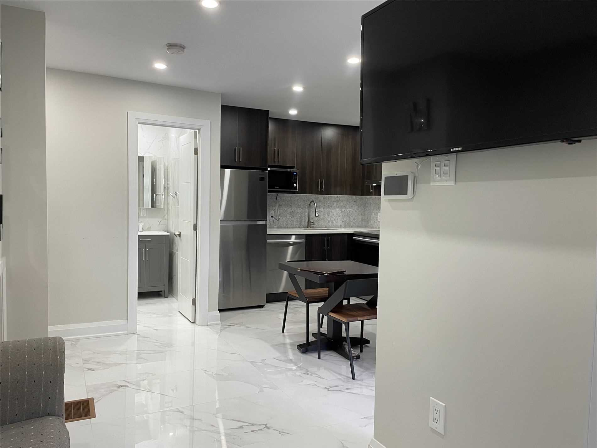 Upper Level For Lease In Whitchurch-Stouffville , 1 Bedroom Bedrooms, ,1 BathroomBathrooms,Upper Level,For Lease,203,Main