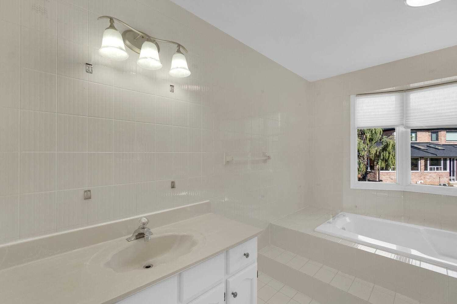 Detached house For Lease In Vaughan - 71 Woodgreen Dr, Vaughan, Ontario, Canada L4L3B2 , 4 Bedrooms Bedrooms, ,3 BathroomsBathrooms,Detached,For Lease,Woodgreen