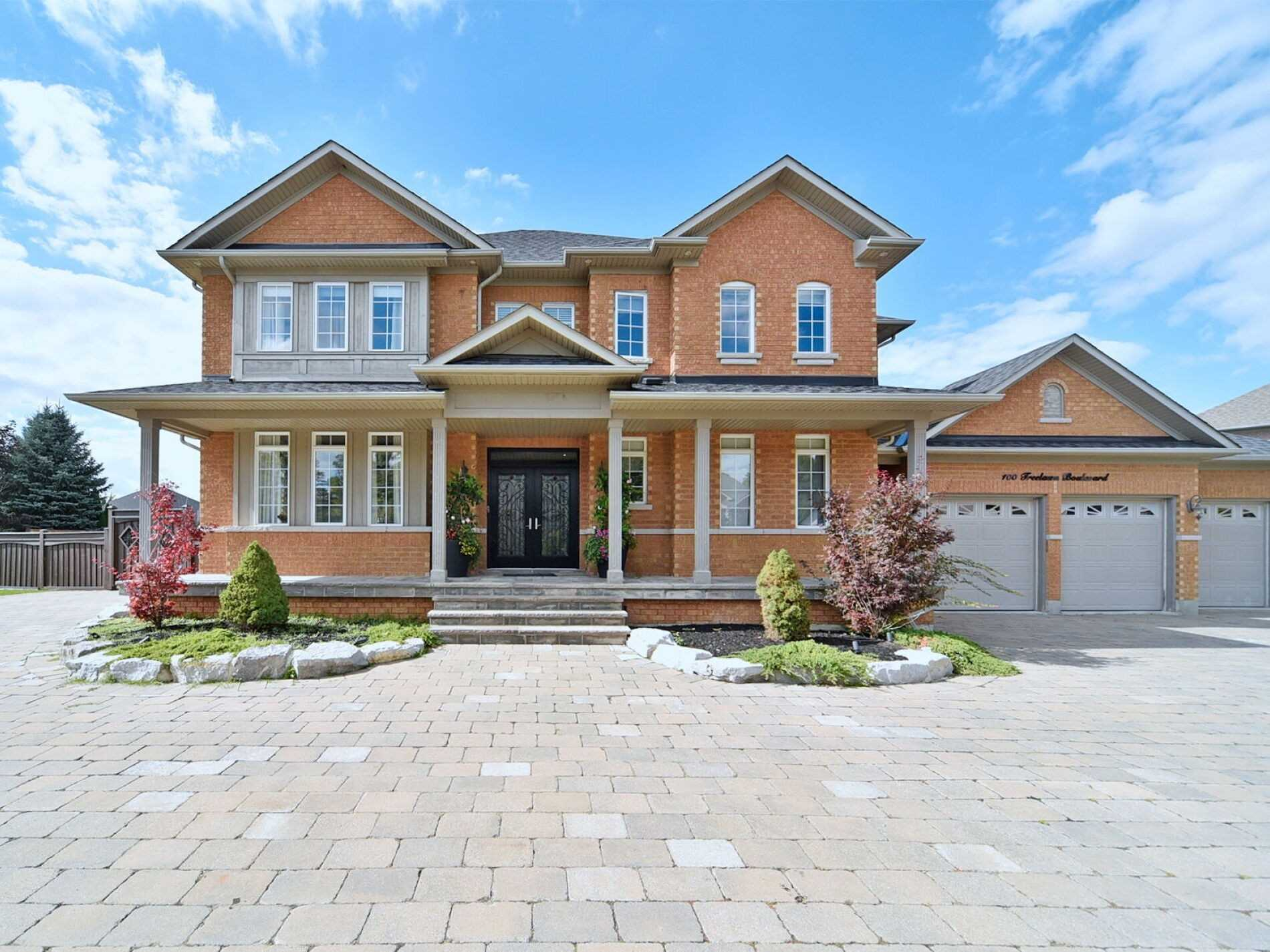 Detached house For Lease In Vaughan - 100 Treelawn Blvd, Vaughan, Ontario, Canada L0J1C0 , 4 Bedrooms Bedrooms, ,5 BathroomsBathrooms,Detached,For Lease,Treelawn