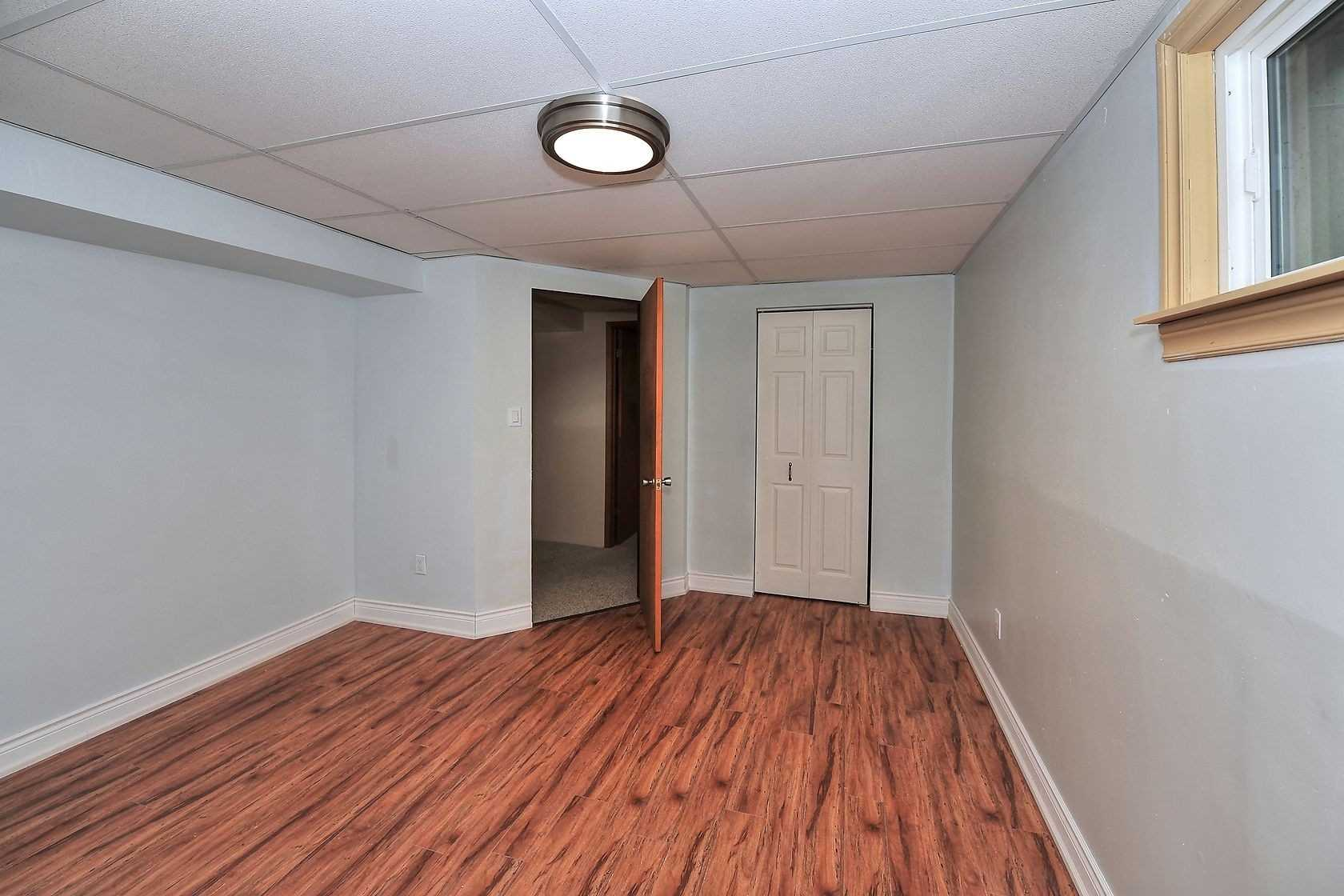 Detached house For Lease In Aurora - 62 Golf Links Dr, Aurora, Ontario, Canada L4G 3V3 , 2 Bedrooms Bedrooms, ,1 BathroomBathrooms,Detached,For Lease,#bsmt,Golf Links