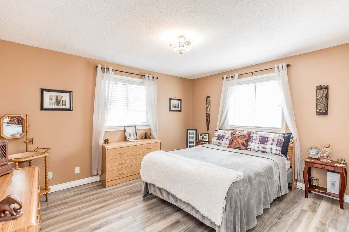 Detached house For Sale In Tay - 363 Wardell St, Tay, Ontario, Canada L0K1R0 , 3 Bedrooms Bedrooms, ,2 BathroomsBathrooms,Detached,For Sale,Wardell