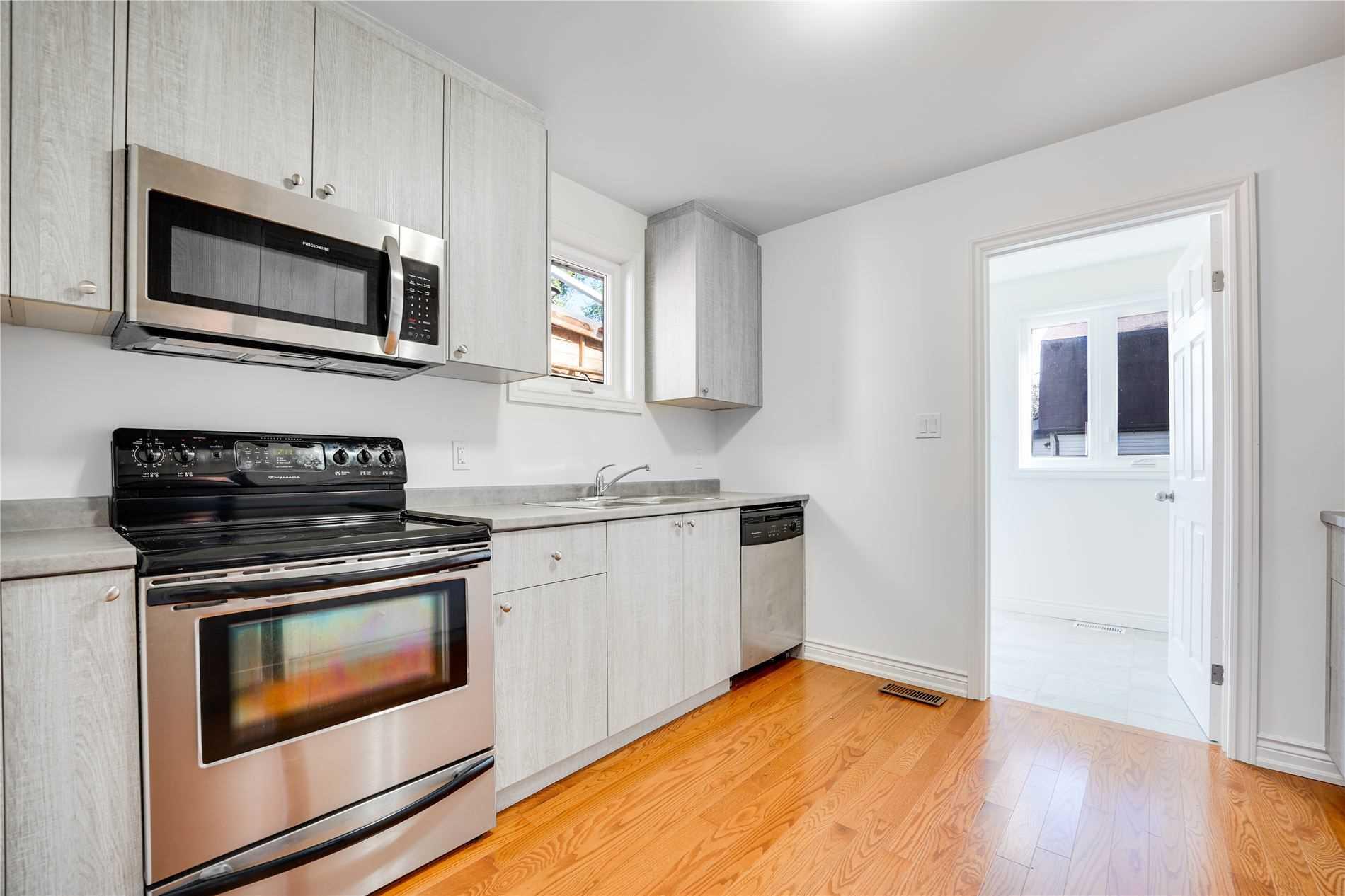 43 Lambton Ave, Toronto, Ontario M6N2S3, 2 Bedrooms Bedrooms, 6 Rooms Rooms,2 BathroomsBathrooms,Detached,For Sale,Lambton,W5377531