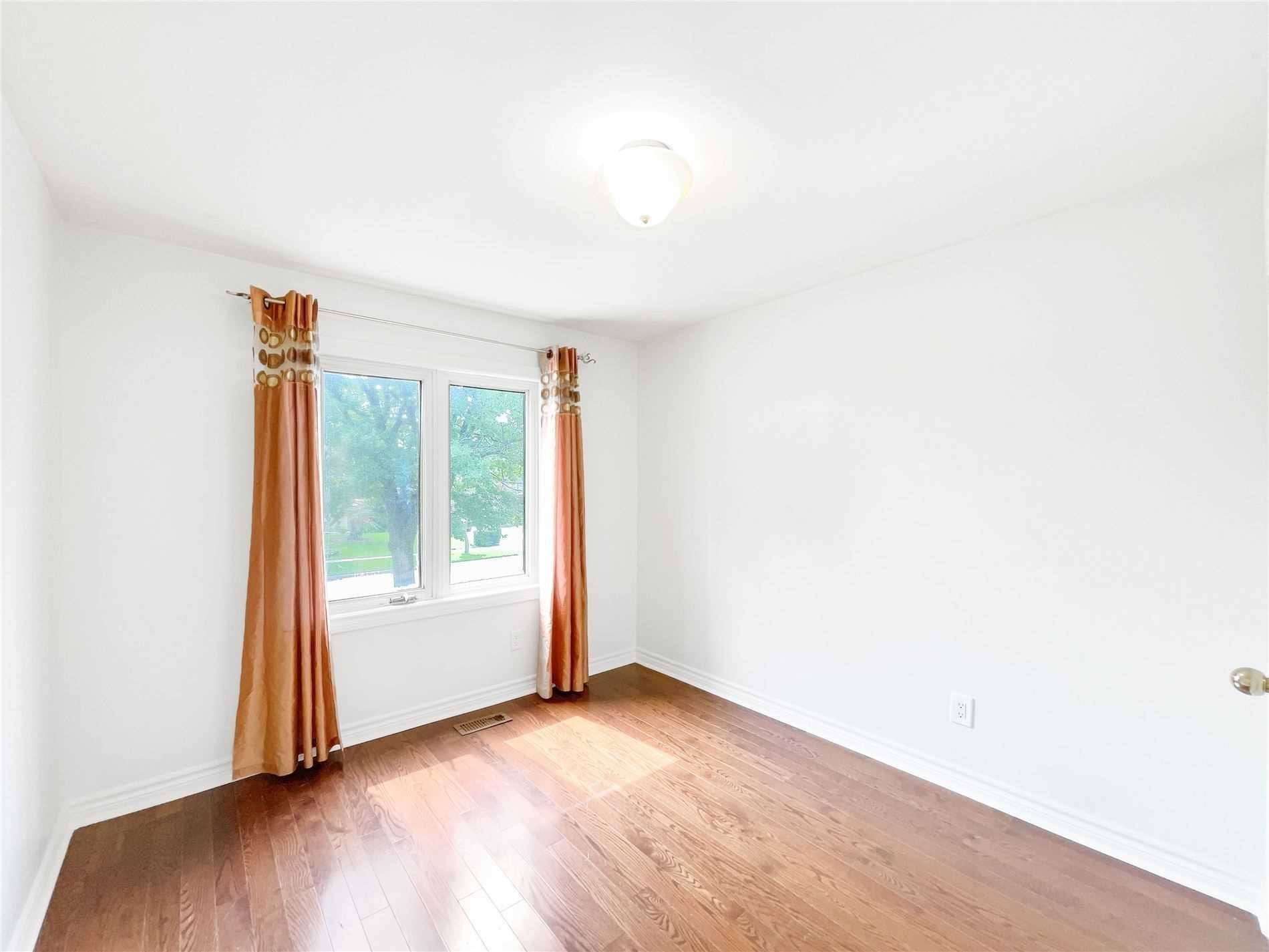 Detached house For Sale In Mississauga - 1183 Fleet St, Mississauga, Ontario, Canada L5H3P3 , 4 Bedrooms Bedrooms, ,4 BathroomsBathrooms,Detached,For Sale,Fleet