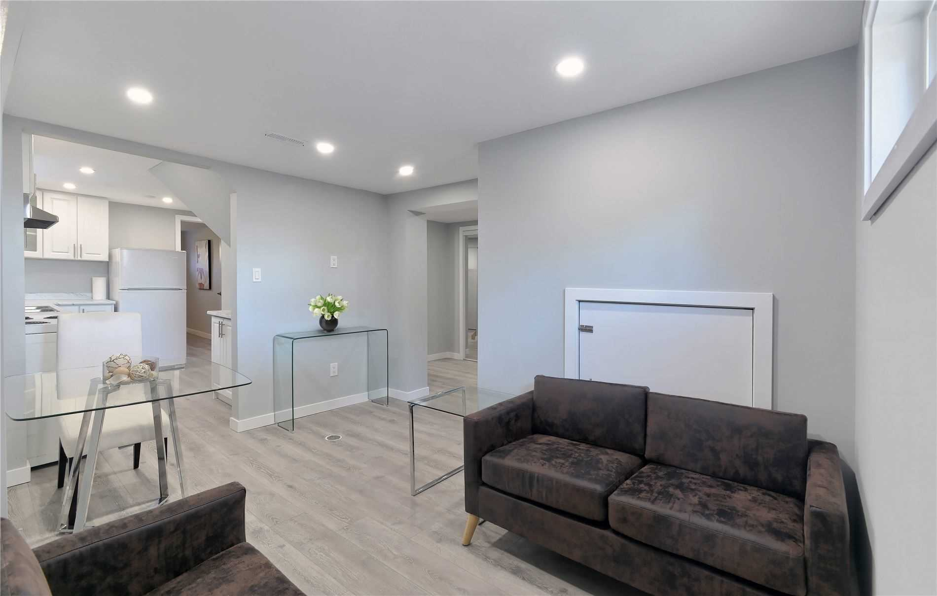 Semi-Detached For Lease In Mississauga , 2 Bedrooms Bedrooms, ,1 BathroomBathrooms,Semi-Detached,For Lease,Lower,Fontwell