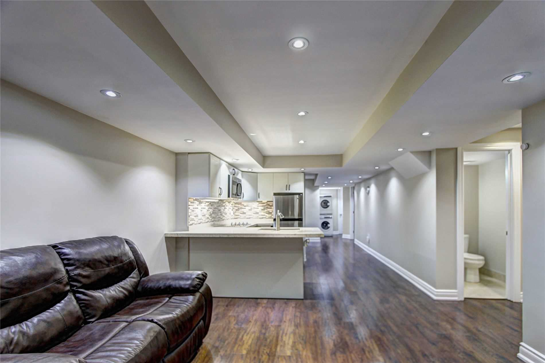 Detached house For Lease In Mississauga - 6393 Seaver Rd, Mississauga, Ontario, Canada L5V2J2 , 2 Bedrooms Bedrooms, ,2 BathroomsBathrooms,Detached,For Lease,(Lower),Seaver