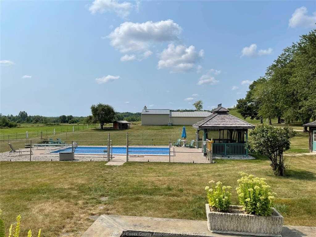 Detached house For Sale In Halton Hills - 13422 Highway 7 Rd, Halton Hills, Ontario, Canada L7G 4S4 , 2 Bedrooms Bedrooms, ,2 BathroomsBathrooms,Detached,For Sale,Highway 7