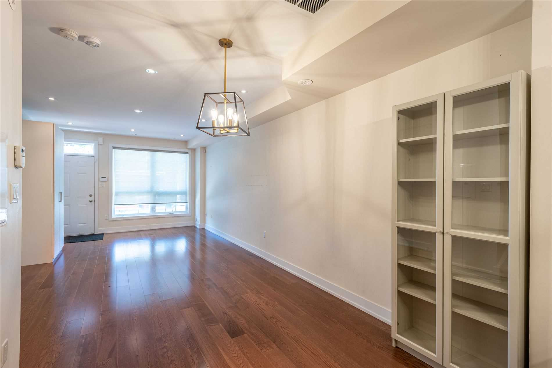 Att/row/twnhouse For Lease In Toronto , 3 Bedrooms Bedrooms, ,3 BathroomsBathrooms,Att/row/twnhouse,For Lease,Lansdowne