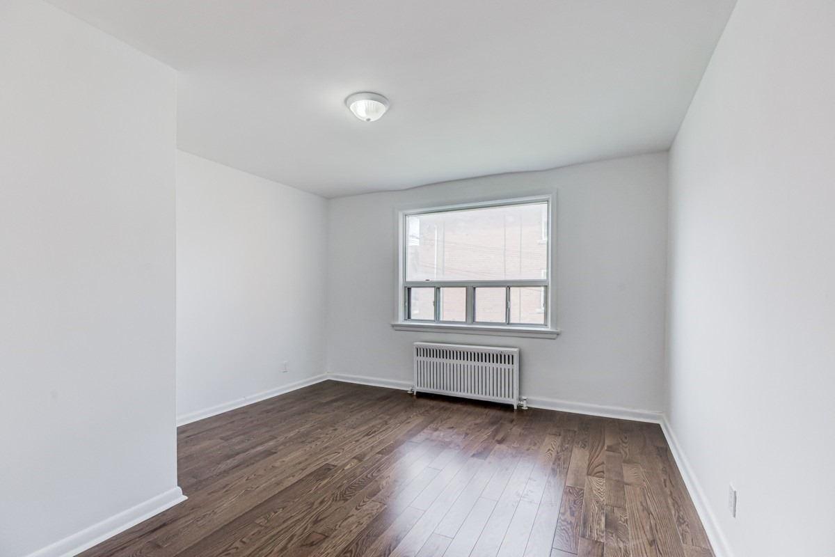 Triplex For Lease In Toronto , 2 Bedrooms Bedrooms, ,1 BathroomBathrooms,Triplex,For Lease,#2,Lacey