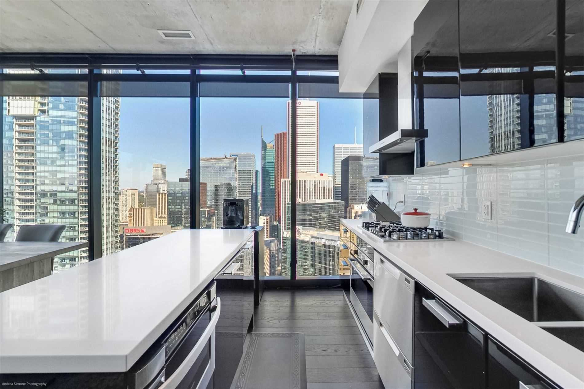 Condo Apt For Sale In Toronto , 3 Bedrooms Bedrooms, ,2 BathroomsBathrooms,Condo Apt,For Sale,4102,King