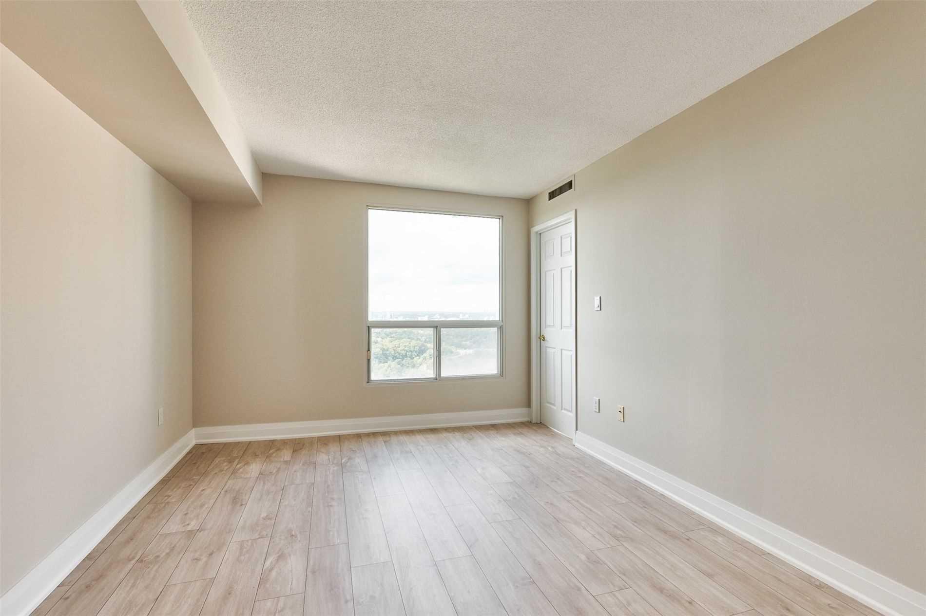 Condo Apt For Sale In Toronto , 2 Bedrooms Bedrooms, ,2 BathroomsBathrooms,Condo Apt,For Sale,3507,Concorde