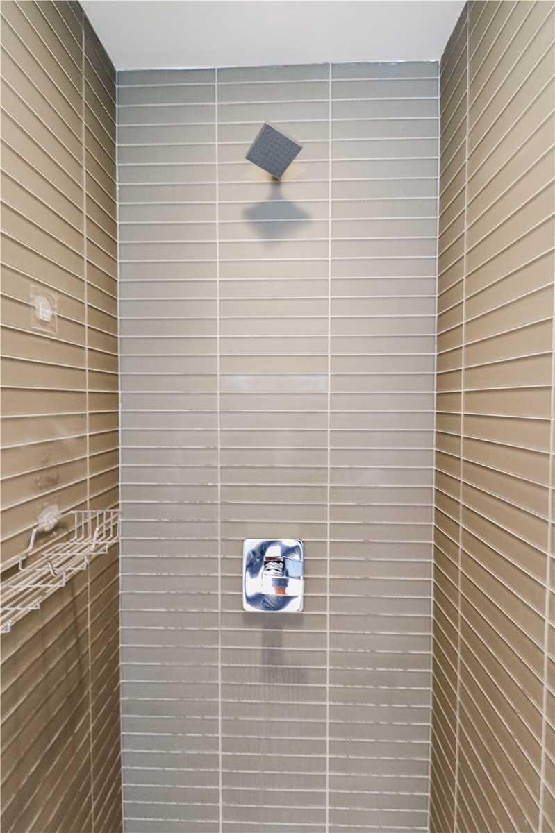 Condo Apt For Lease In Toronto , 2 Bedrooms Bedrooms, ,2 BathroomsBathrooms,Condo Apt,For Lease,6512,Grenville