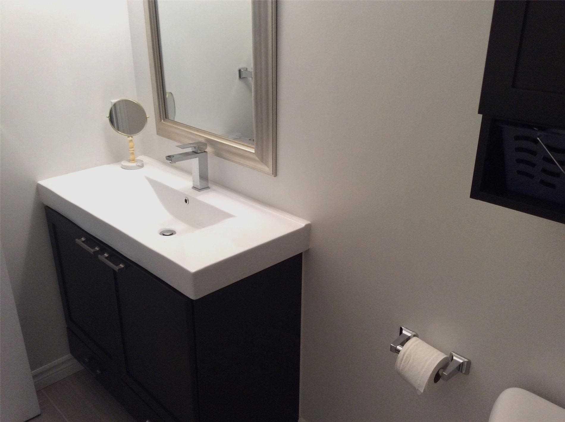 Condo Apt For Sale In Toronto , 2 Bedrooms Bedrooms, ,2 BathroomsBathrooms,Condo Apt,For Sale,201,Birchmount