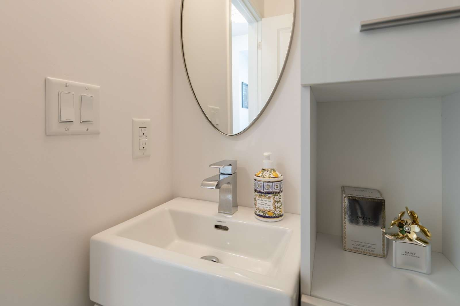 Condo Townhouse For Sale In Toronto , 1 Bedroom Bedrooms, ,2 BathroomsBathrooms,Condo Townhouse,For Sale,130,Hopewell