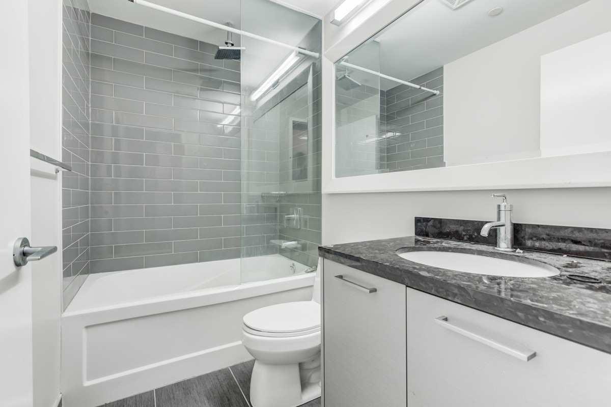 Condo Apt For Lease In Toronto , 2 Bedrooms Bedrooms, ,2 BathroomsBathrooms,Condo Apt,For Lease,2010,Park Lawn