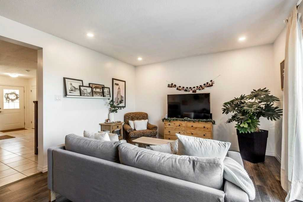 Condo Townhouse For Sale In Cambridge , 3 Bedrooms Bedrooms, ,3 BathroomsBathrooms,Condo Townhouse,For Sale,4,Shamrock