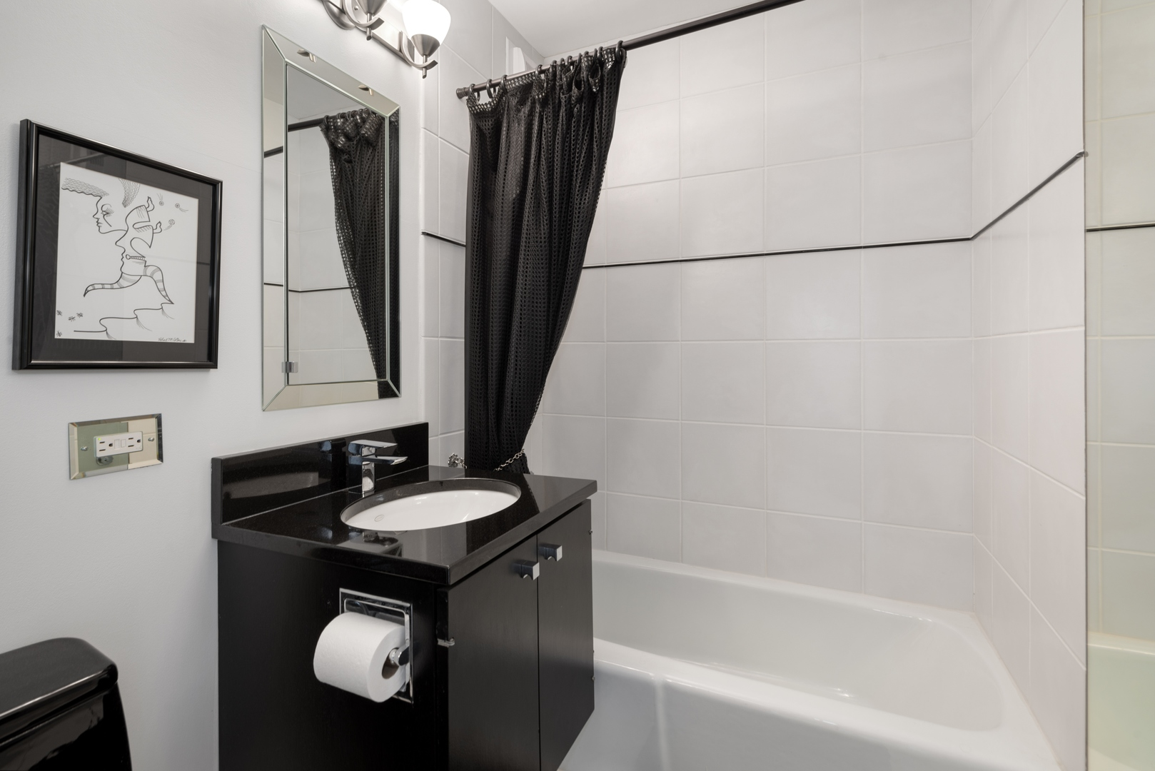 2626 Lakeview Avenue, Chicago, Illinois 60614, 2 Bedrooms Bedrooms, ,2 BathroomsBathrooms,Residential,For Sale,Lakeview,MRD11225354