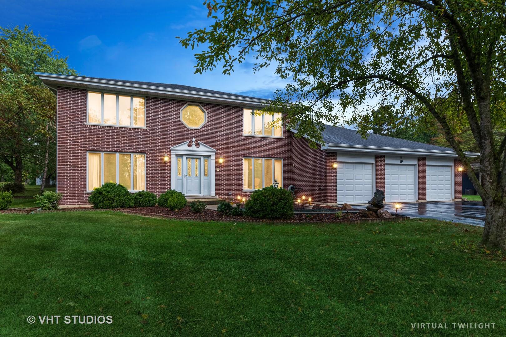 23581 Old Barrington Road, Lake Barrington, Illinois 60010, 5 Bedrooms Bedrooms, ,3 BathroomsBathrooms,Residential,For Sale,Old Barrington,MRD11225360