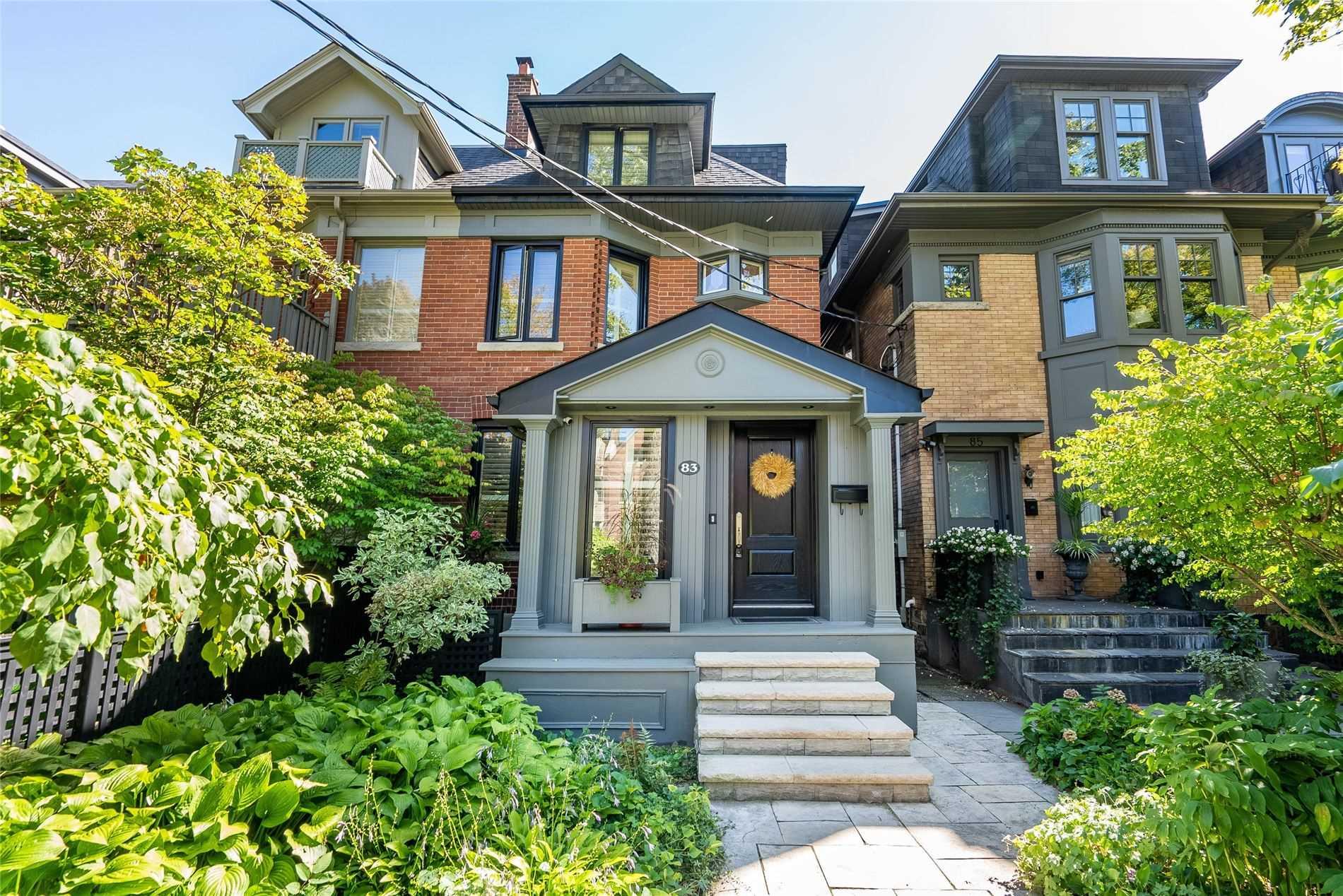 Semi-Detached For Sale In Toronto , 3 Bedrooms Bedrooms, ,4 BathroomsBathrooms,Semi-Detached,For Sale,Roxborough