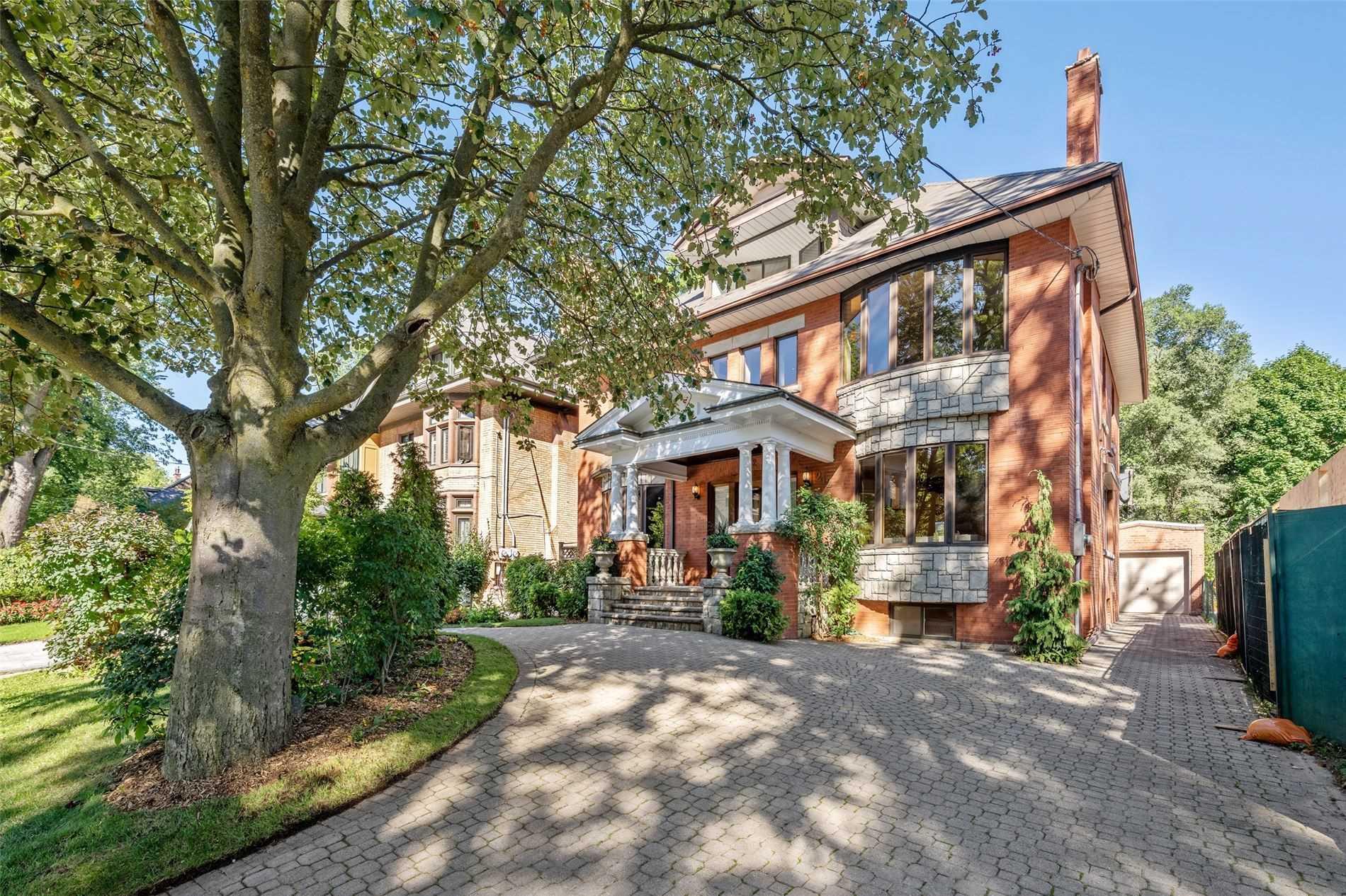 212 Balmoral Ave, Toronto, Ontario M4V1J9, 5 Bedrooms Bedrooms, 10 Rooms Rooms,5 BathroomsBathrooms,Detached,For Sale,Balmoral,C5378352