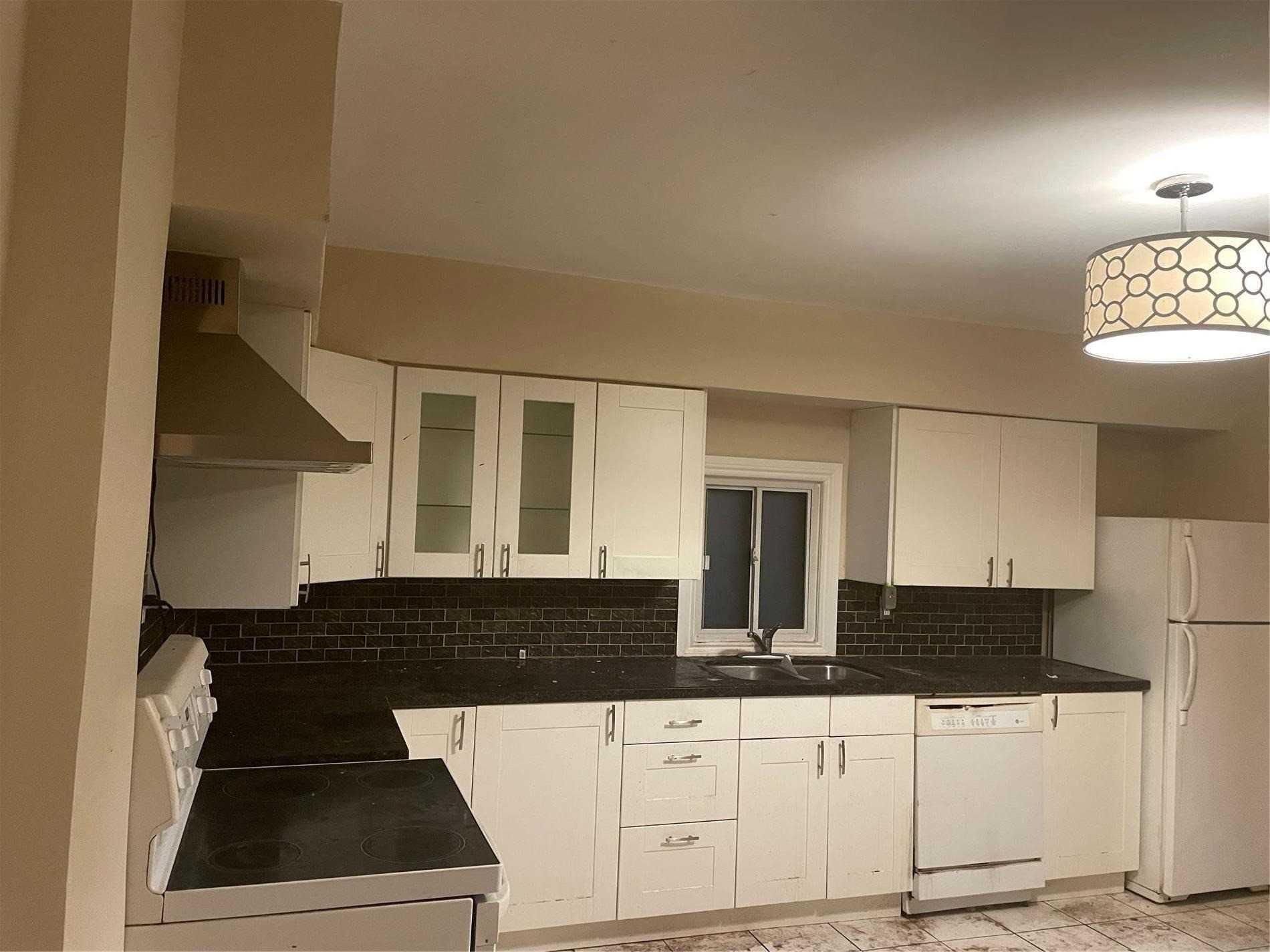 Semi-Detached For Sale In Toronto , 3 Bedrooms Bedrooms, ,1 BathroomBathrooms,Semi-Detached,For Sale,Oakwood