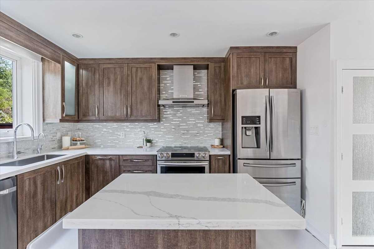 Semi-Detached For Sale In Toronto , 3 Bedrooms Bedrooms, ,2 BathroomsBathrooms,Semi-Detached,For Sale,Pape