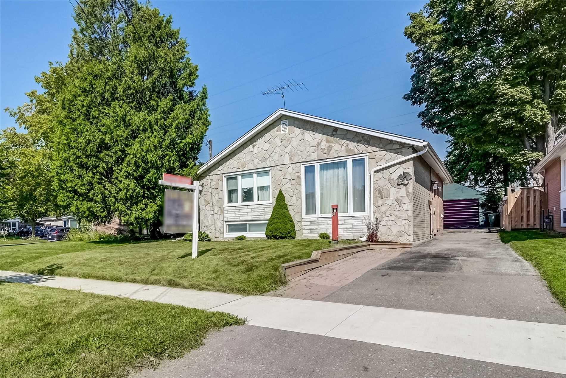 Detached house For Sale In Toronto - 31 Ben Nevis Dr, Toronto, Ontario, Canada M1H1M8 , 3 Bedrooms Bedrooms, ,2 BathroomsBathrooms,Detached,For Sale,Ben Nevis