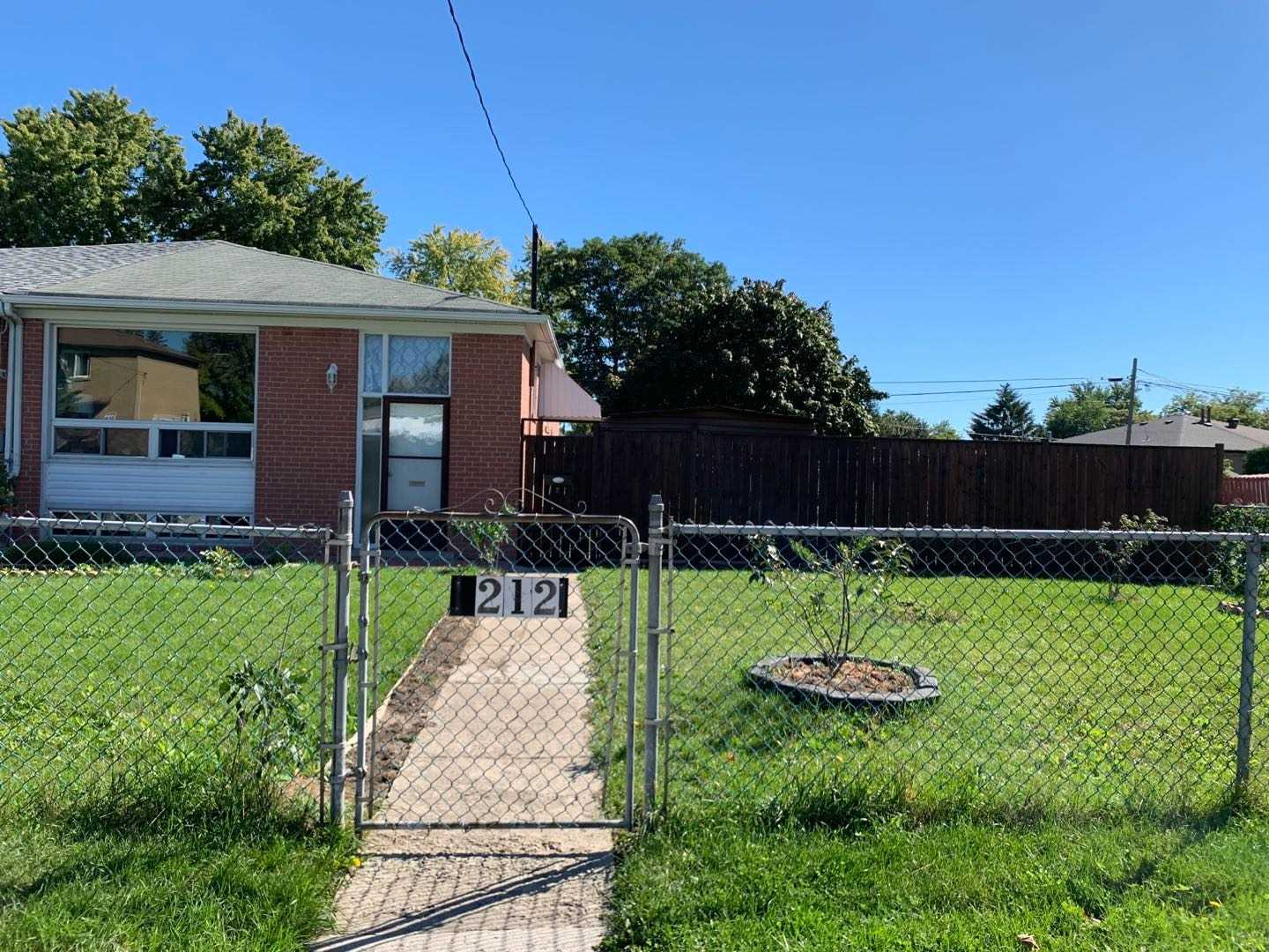 Semi-Detached For Sale In Richmond Hill , 3 Bedrooms Bedrooms, ,2 BathroomsBathrooms,Semi-Detached,For Sale,Taylor Mills