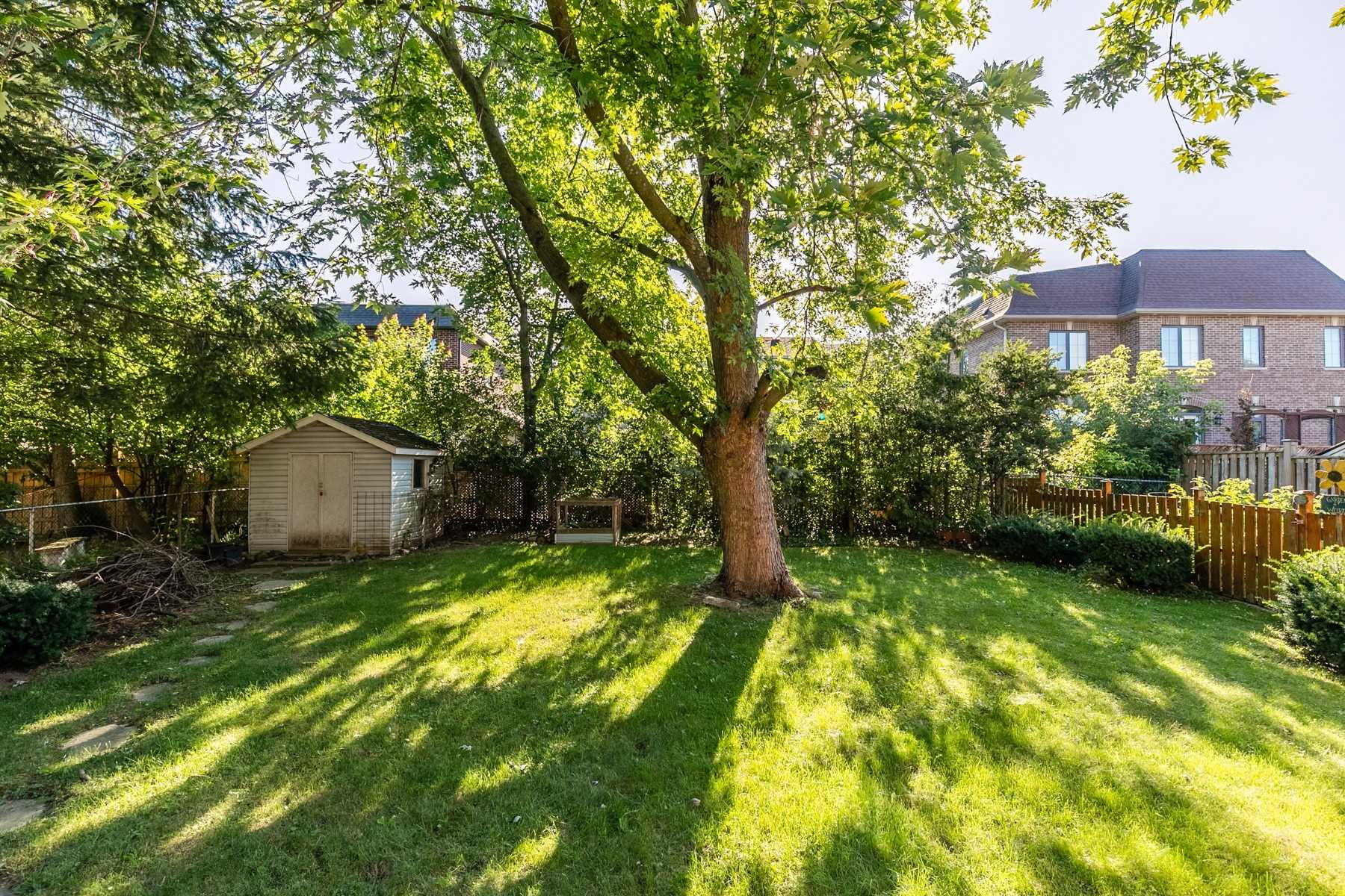 Detached house For Sale In Richmond Hill - 6 Wendy Way, Richmond Hill, Ontario, Canada L4E2V6 , 3 Bedrooms Bedrooms, ,2 BathroomsBathrooms,Detached,For Sale,Wendy