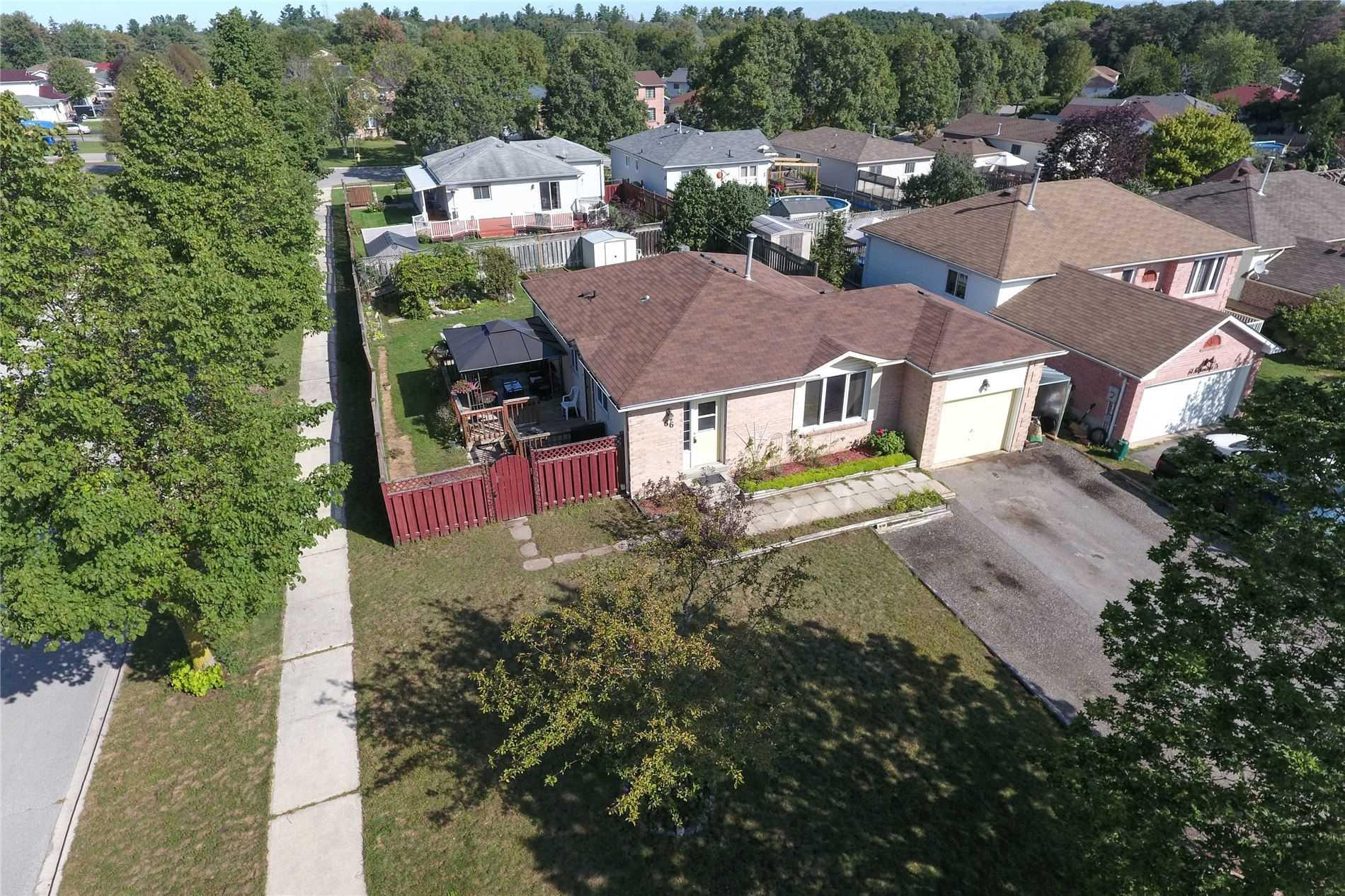 Detached house For Sale In Essa - 66 Nottawasaga Dr, Essa, Ontario, Canada L0M1B0 , 3 Bedrooms Bedrooms, ,2 BathroomsBathrooms,Detached,For Sale,Nottawasaga