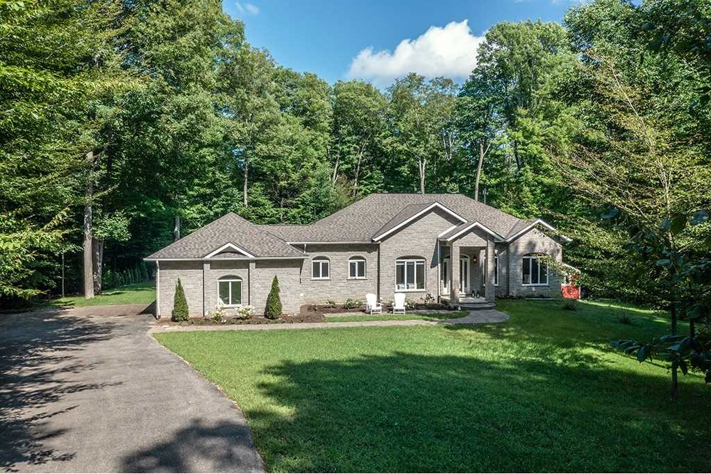 Detached house For Sale In Tiny - 5 Meadowbrook Blvd, Tiny, Ontario, Canada L9M 0M2 , 3 Bedrooms Bedrooms, ,3 BathroomsBathrooms,Detached,For Sale,Meadowbrook