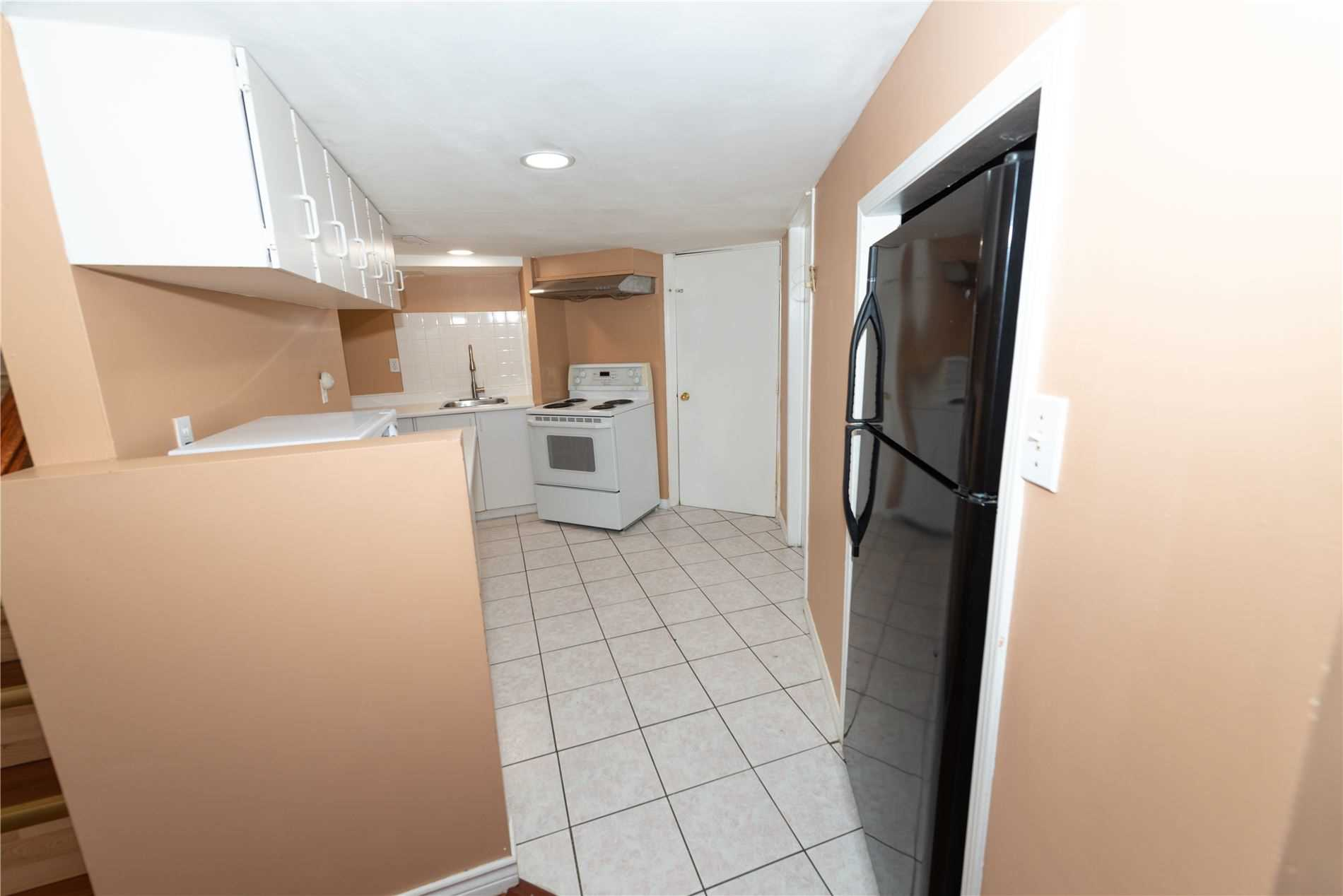 Semi-Detached For Lease In Brampton , 2 Bedrooms Bedrooms, ,1 BathroomBathrooms,Semi-Detached,For Lease,Lauraglen (Bsmt)