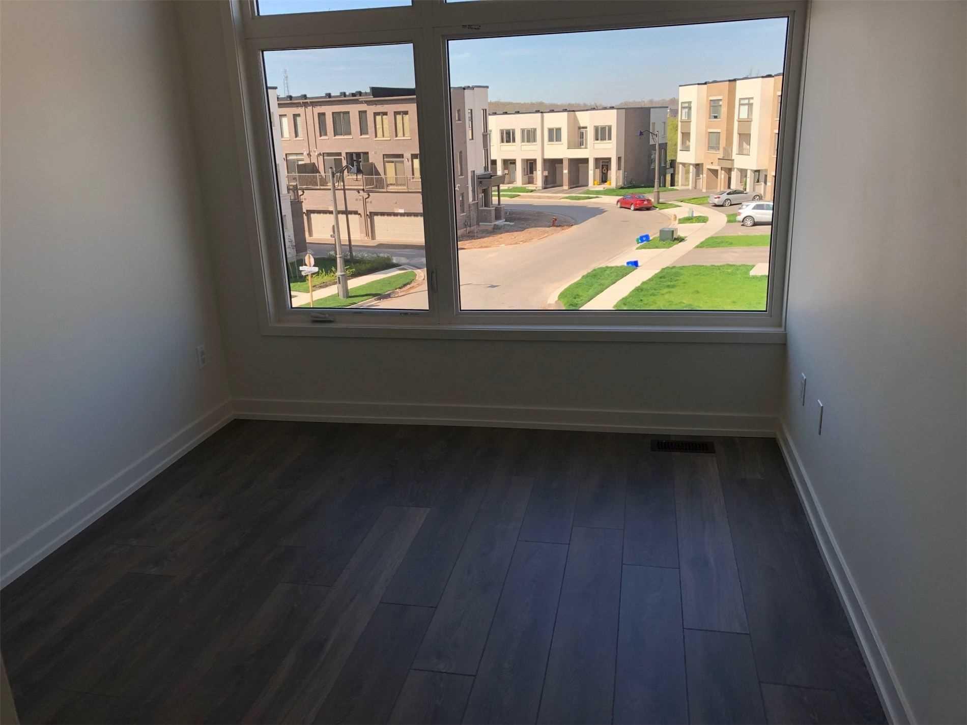 Att/row/twnhouse For Lease In Oakville , 3 Bedrooms Bedrooms, ,3 BathroomsBathrooms,Att/row/twnhouse,For Lease,Earnest Appelbe