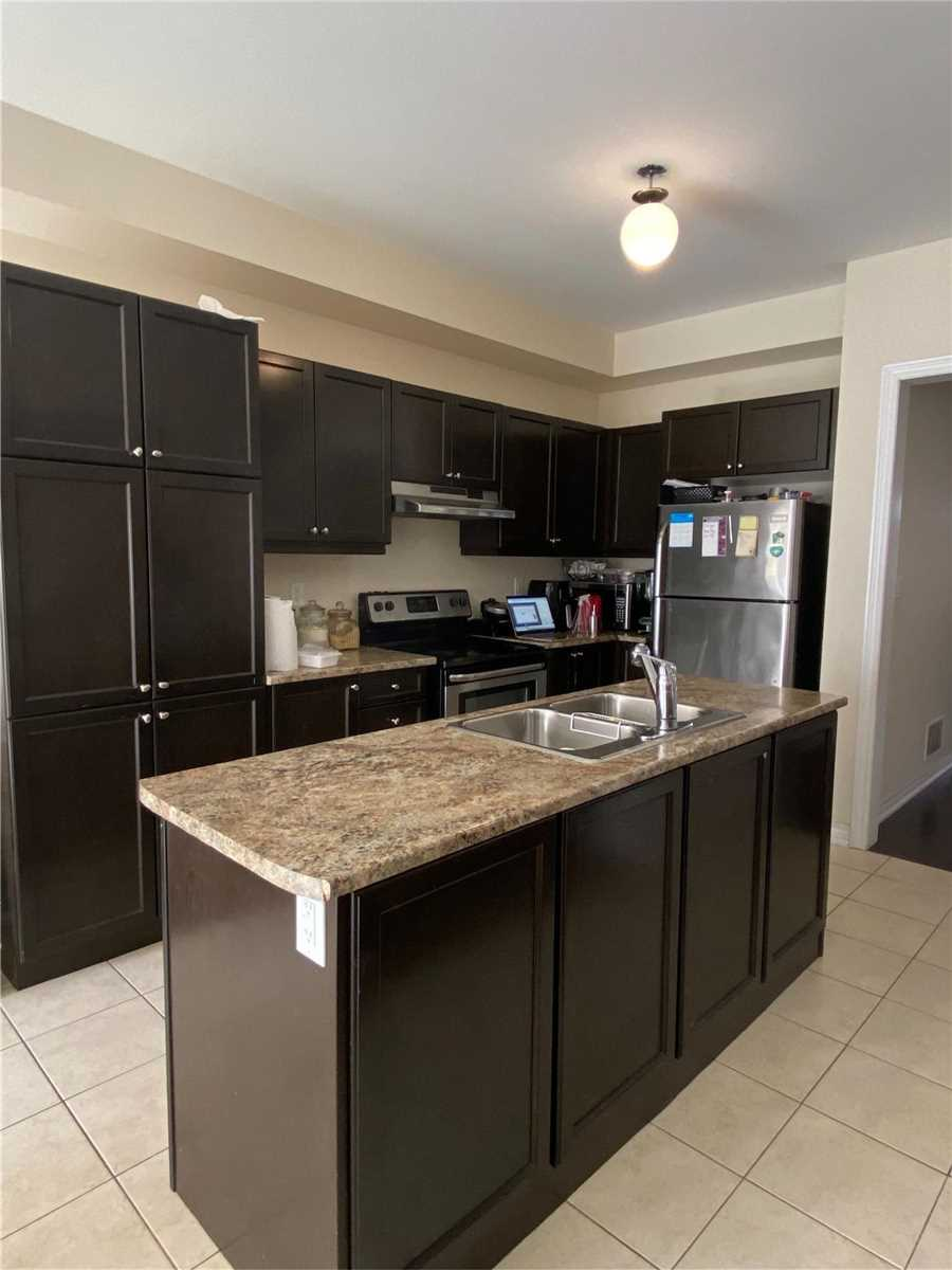 Detached house For Lease In Brampton - 62 Meltwater Cres, Brampton, Ontario, Canada L6P3V7 , 4 Bedrooms Bedrooms, ,3 BathroomsBathrooms,Detached,For Lease,Meltwater