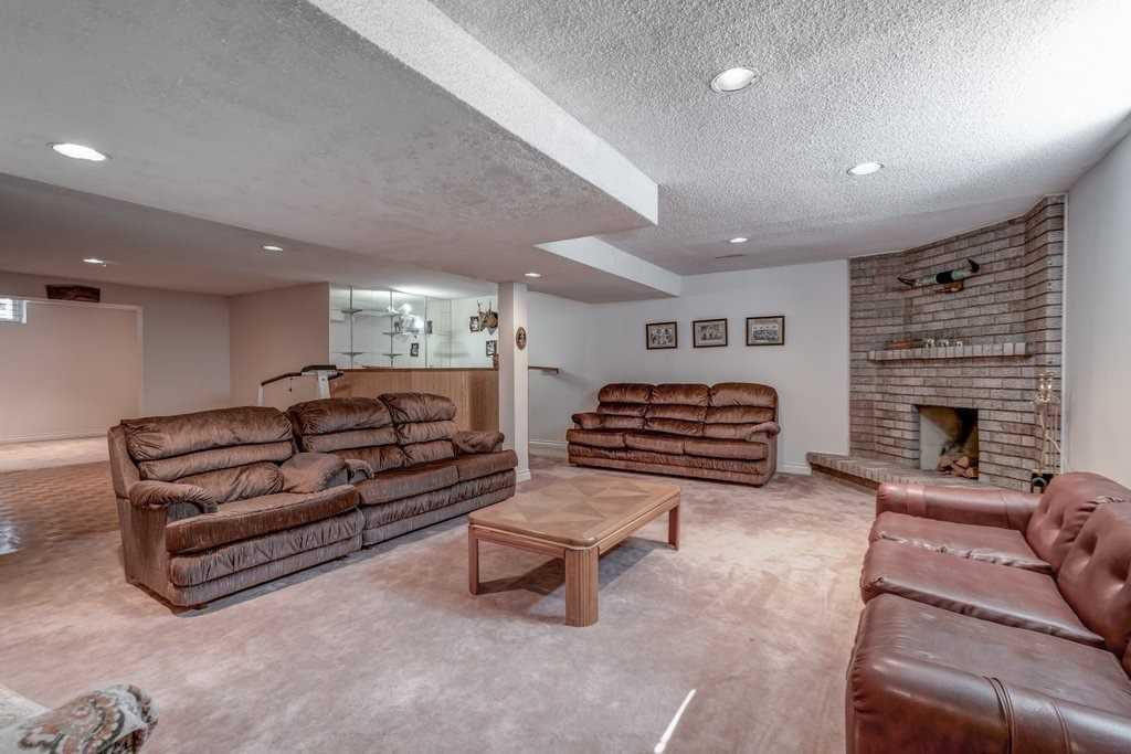 Detached house For Lease In Mississauga - 1732 Delderfield Cres, Mississauga, Ontario, Canada L5M3H2 , 4 Bedrooms Bedrooms, ,3 BathroomsBathrooms,Detached,For Lease,Delderfield