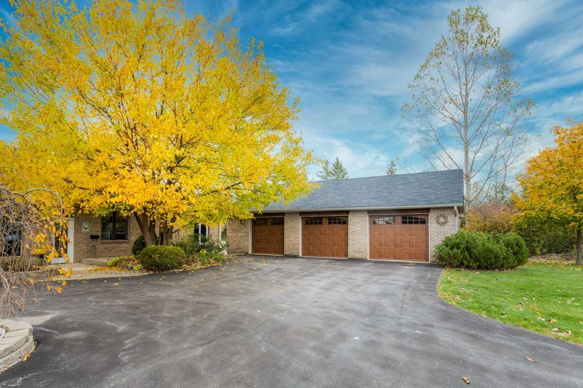 Detached house For Sale In Milton - 4401 Fourth Line, Milton, Ontario, Canada L9E 0G7 , 5 Bedrooms Bedrooms, ,5 BathroomsBathrooms,Detached,For Sale,Fourth