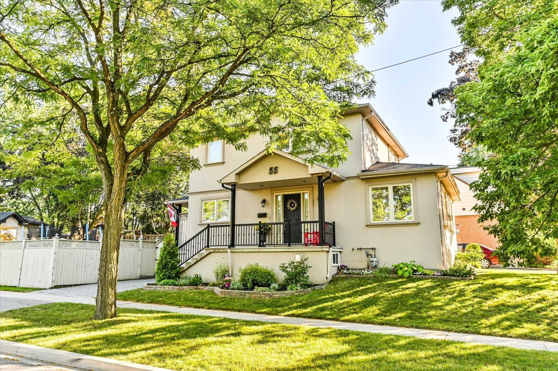 55 Clearbrooke Circ, Toronto, Ontario M9W2E2, 3 Bedrooms Bedrooms, 6 Rooms Rooms,3 BathroomsBathrooms,Detached,For Sale,Clearbrooke,W5378458