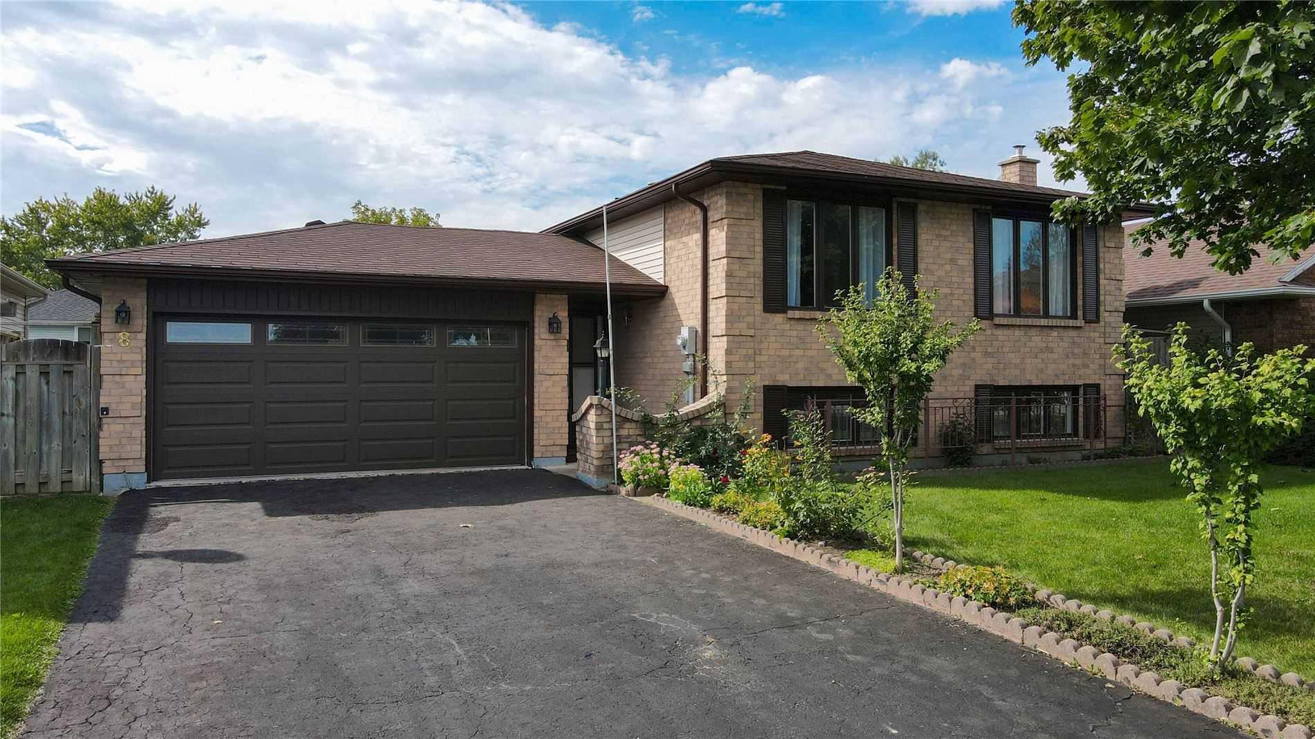 Detached house For Sale In Haldimand - 8 Highland Blvd, Haldimand, Ontario, Canada N3W 1G6 , 3 Bedrooms Bedrooms, ,2 BathroomsBathrooms,Detached,For Sale,Highland