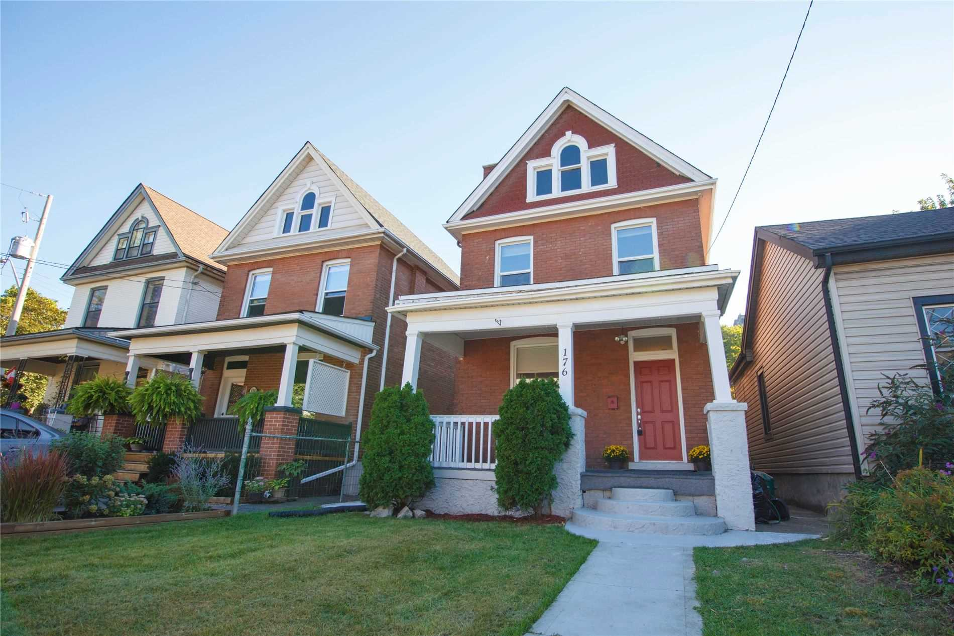 Detached house For Sale In Hamilton - 176 Cumberland Ave, Hamilton, Ontario, Canada L8M 1Z5 , 3 Bedrooms Bedrooms, ,2 BathroomsBathrooms,Detached,For Sale,Cumberland