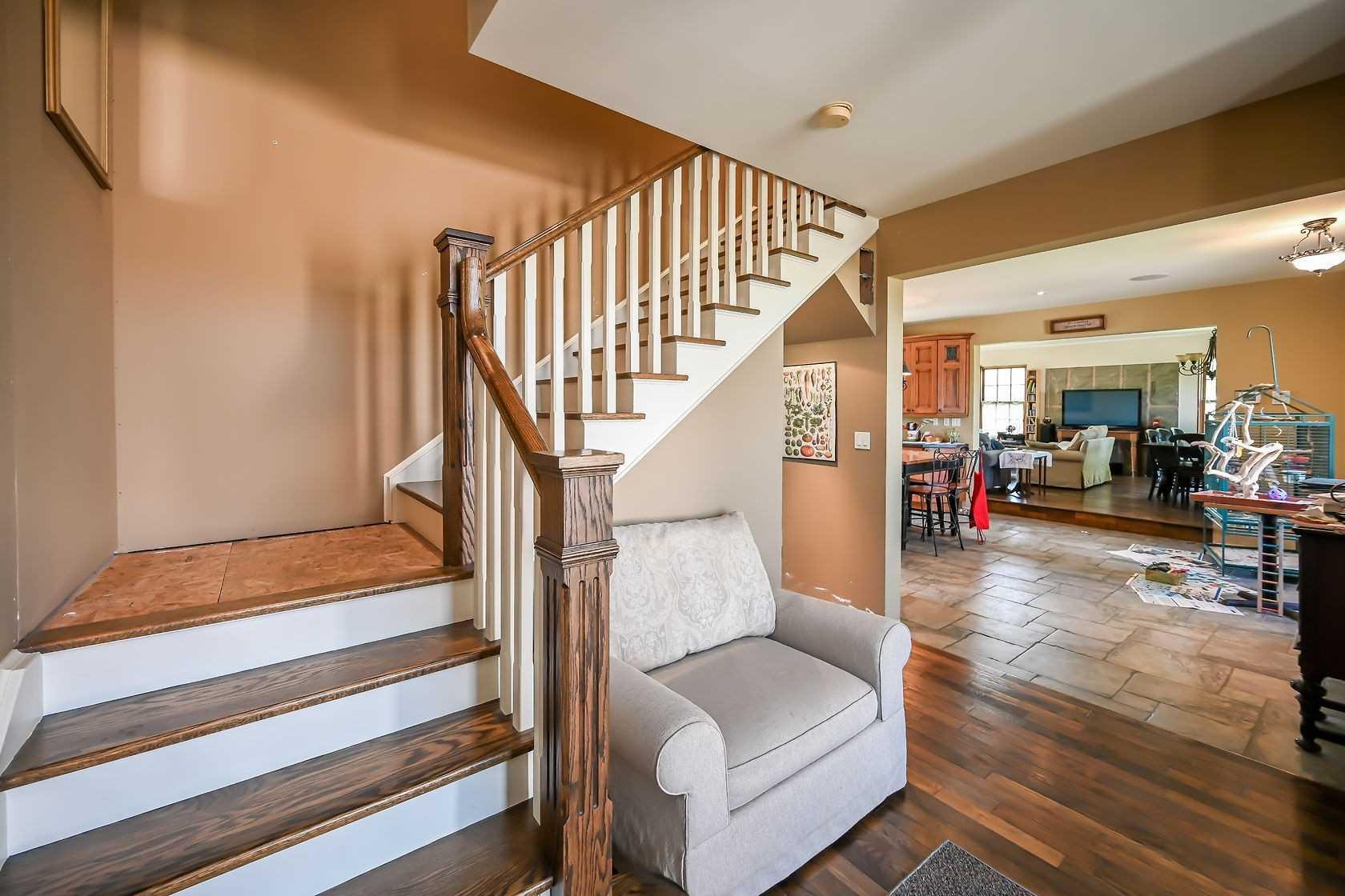 Detached house For Sale In Hamilton - 254 Garner Rd, Hamilton, Ontario, Canada L9G 3K9 , 3 Bedrooms Bedrooms, ,2 BathroomsBathrooms,Detached,For Sale,Garner
