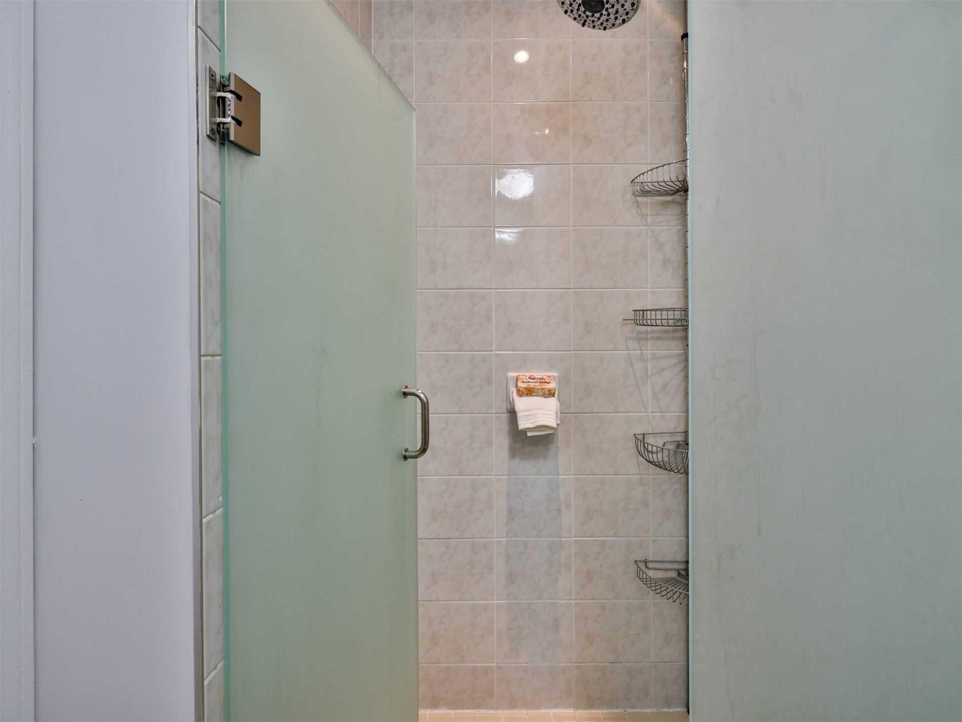 Condo Apt For Sale In Toronto , 2 Bedrooms Bedrooms, ,2 BathroomsBathrooms,Condo Apt,For Sale,2003,King