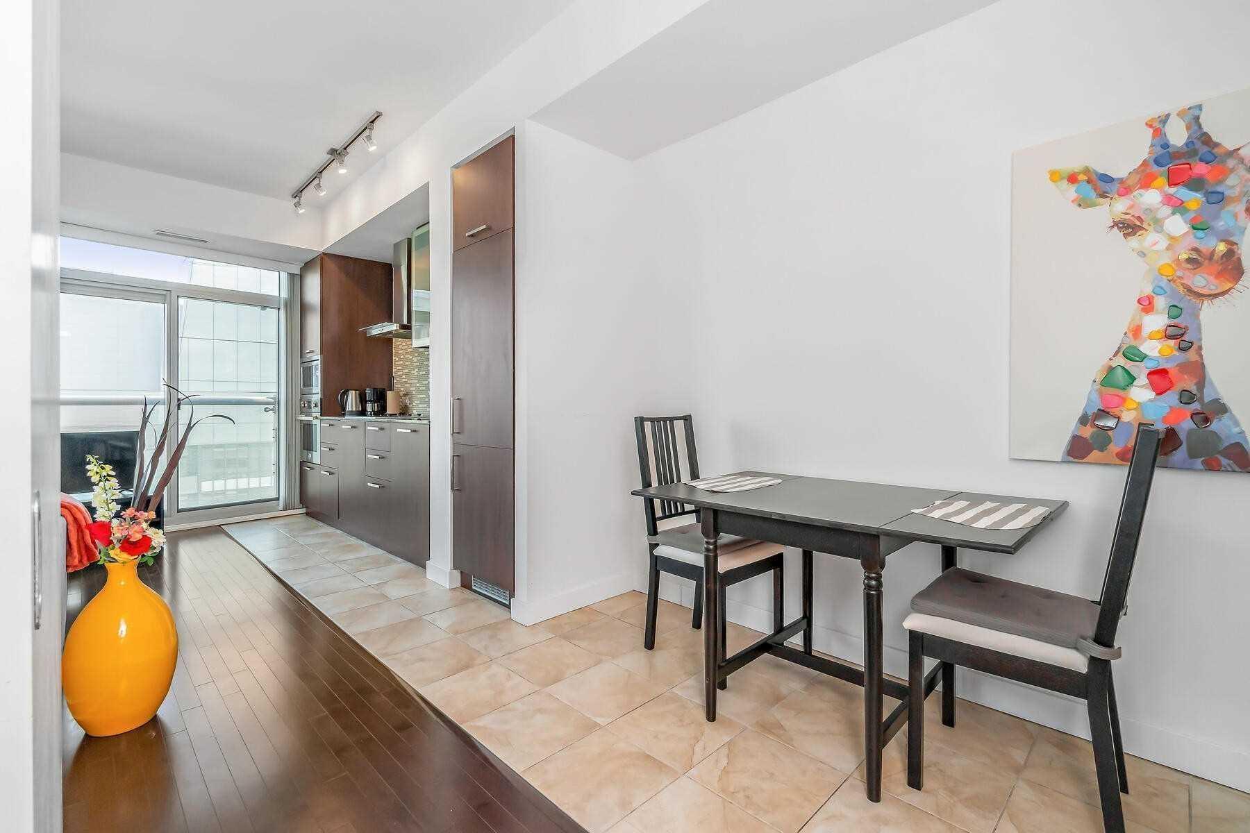 Condo Apt For Sale In Toronto , 1 Bedroom Bedrooms, ,1 BathroomBathrooms,Condo Apt,For Sale,5211,York