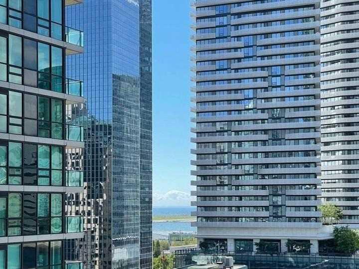 Condo Apt For Lease In Toronto , 2 Bedrooms Bedrooms, ,2 BathroomsBathrooms,Condo Apt,For Lease,1401,Harbour