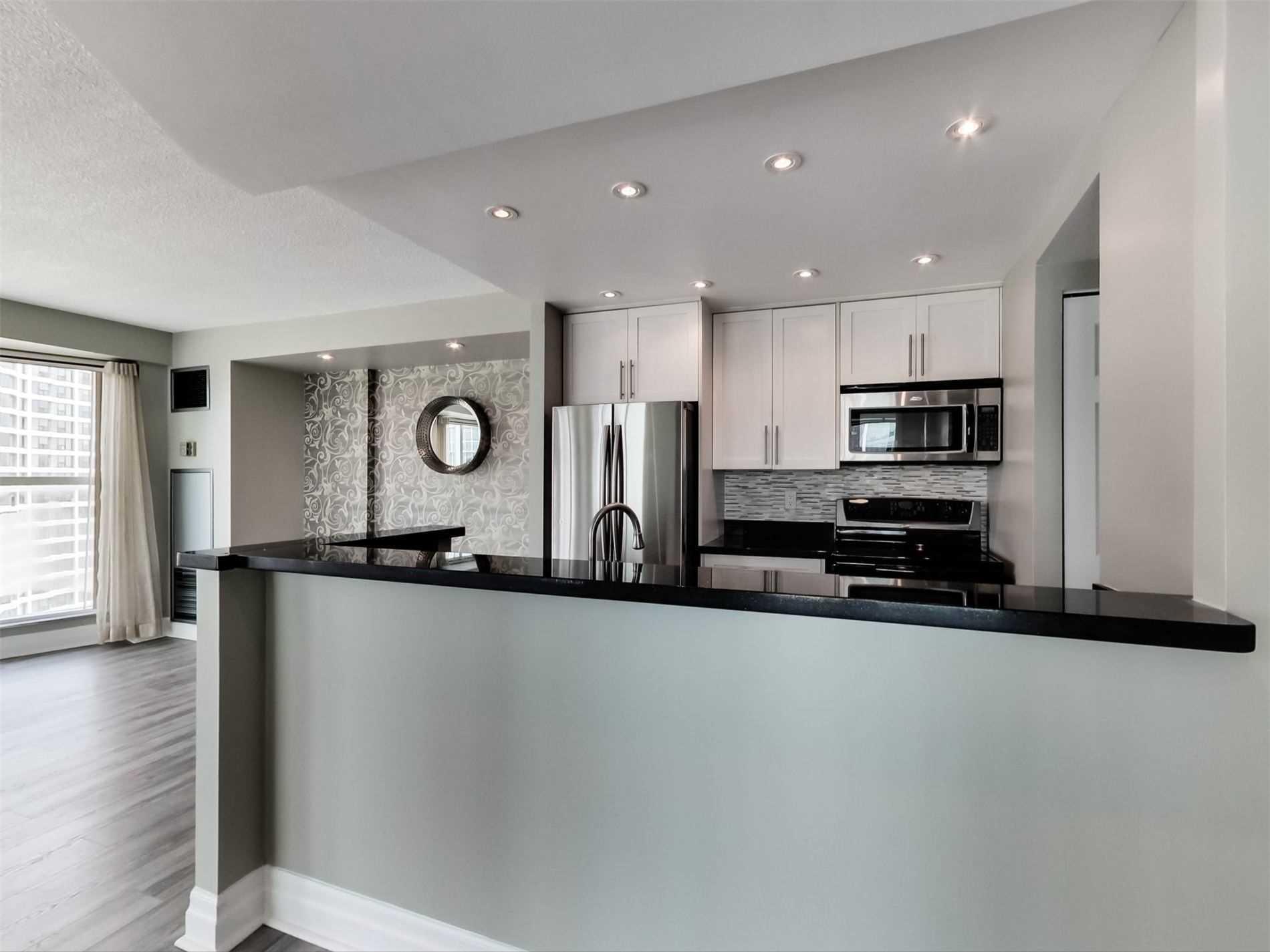 Condo Apt For Lease In Toronto , 2 Bedrooms Bedrooms, ,2 BathroomsBathrooms,Condo Apt,For Lease,3102,Harbour